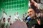 سپاه پرچمدار مقابله با تهدیدات و مشکلات ملت ایران است