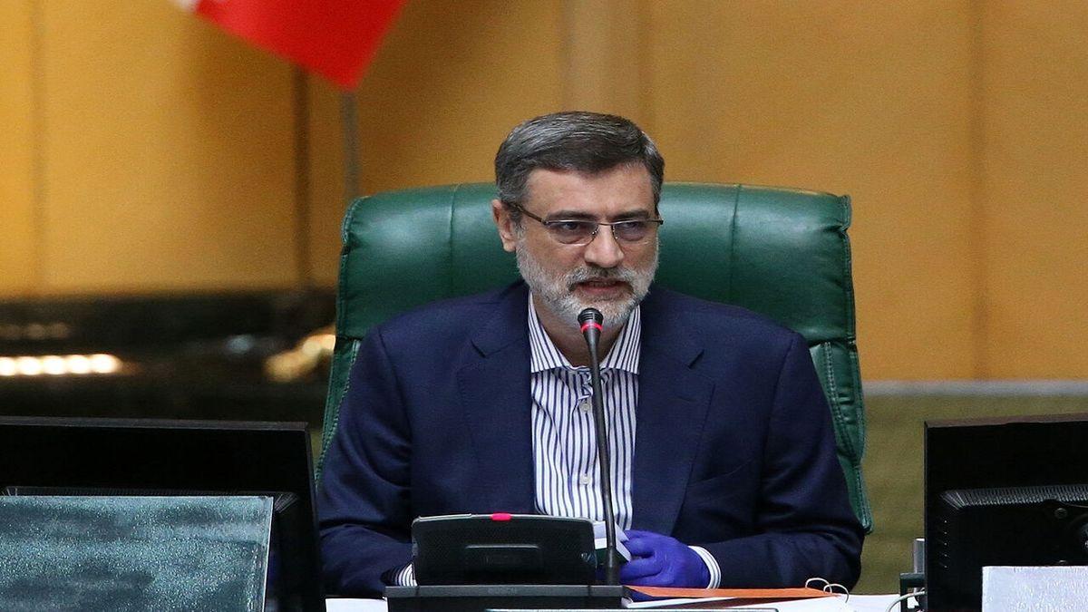 دولت بهدنبال واردات واکسنهای مطمئن و حمایت از دانشمندان ایرانی باشد