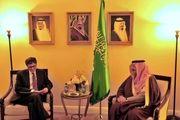 وزیر کشور آلسعود در سفر به واشنگتن با برخی از مقامات آمریکایی دیدار کرد